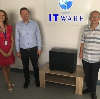 Szerveradomanyzas ITware